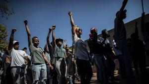 Feuer, Randale und Festnahmen an Universitäten