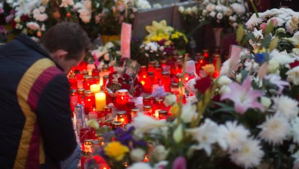 Verdächtige stellen sich nach Alexanderplatz-Mord