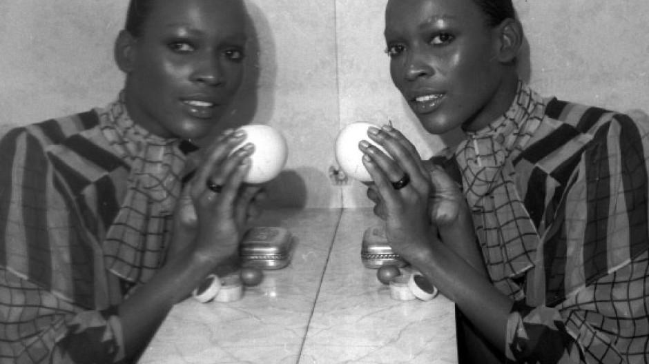 Frauen die Schwarze essen schwarze Männer, Die schwarze