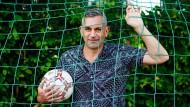 Bezeichnet sich selbst als privaten Russen und deutschen Schrifsteller: Wladimir Kaminer im Friedrich-Ludwig-Jahn-Sportpark in Berlin