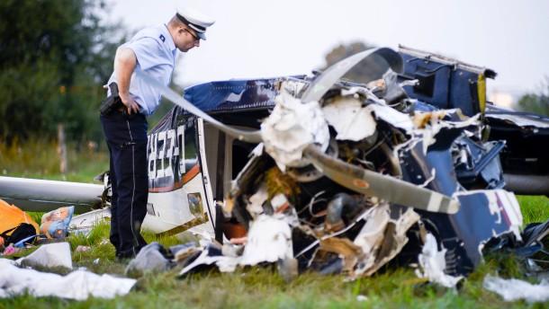 Fünf Menschen sterben bei Flugzeugabsturz