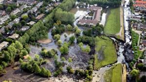 Wohnsiedlung nach Deichbruch evakuiert