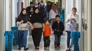 Geflüchtete Frauen und Kinder leiden in Gruppenunterkünften
