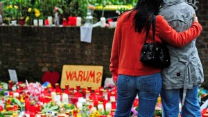 Die Raver trauern um die Opfer – und die Parade