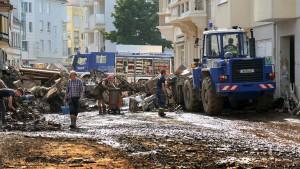 Stadt Hagen warnt vor Keimen im Hochwasser-Schlamm