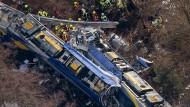 Während des schweren Zugunglücks in Bad Aibling soll der Fahrdienstleiter abgelenkt gewesen sein.