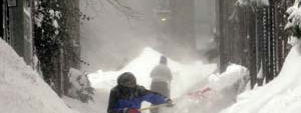 Wetter: Jahrhundert-Blizzard legt Nordosten der Vereinigten Staaten ...