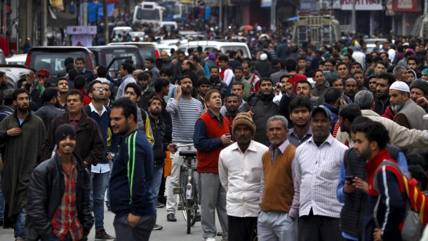 Mehr als 200 Tote bei Erdbeben im Hindukusch