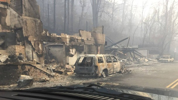 Sieben Tote nach Waldbränden in Tennessee