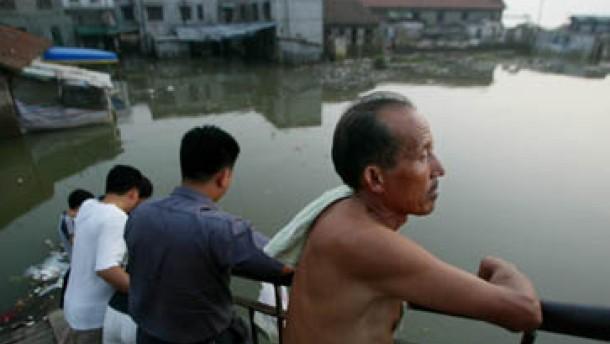 Unwetter kosteten bereits 1.300 Menschenleben