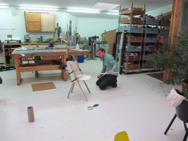 bilderstrecke zu designer stefan diez ein stuhl entsteht bild 3 von 4 faz. Black Bedroom Furniture Sets. Home Design Ideas