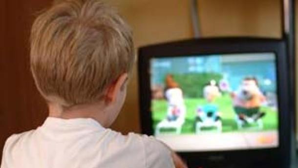 Studie: Kinder werden zu früh an Medien herangeführt