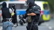 Bewaffneter nach Schießerei in Sachsen auf der Flucht