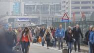 Der Flughafen ist nach den Explosionen am Dienstagmorgen evakuiert worden.