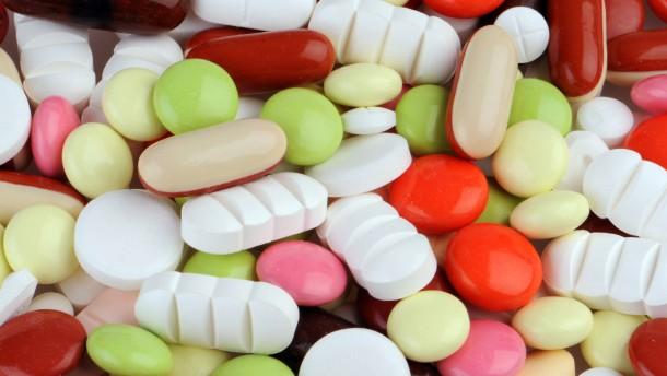 Weniger Psychopharmaka für kostengünstige Pflege