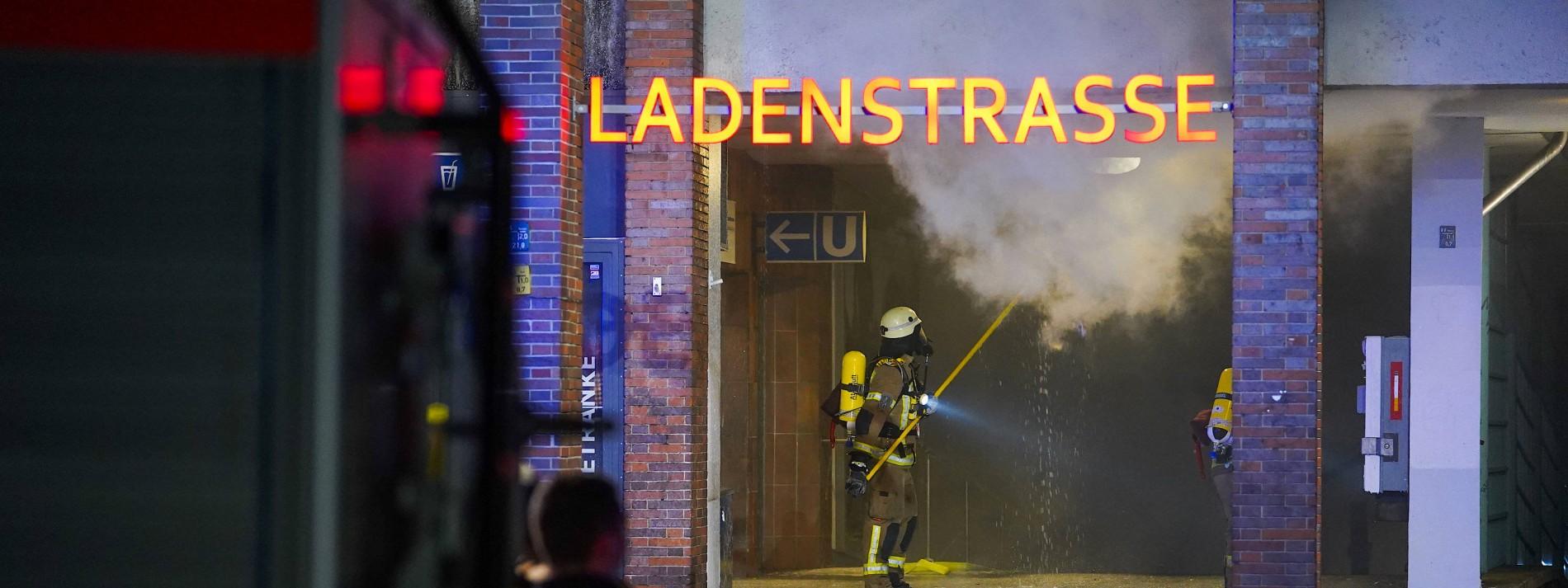 Drei Verletzte bei Feuer in Berliner U-Bahnhof