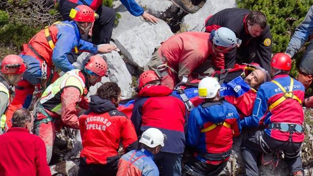 Bayerns Innenminister will Riesending-Höhle schließen