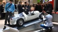Bei der Fachmesse Formnext präsentierte Audi einen historischen Rennwagen im Maßstab 1:2 – natürlich aus dem Drucker.