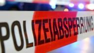 In einem Chemnitzer Plattenbauviertel läuft ein Großeinsatz der Polizei.
