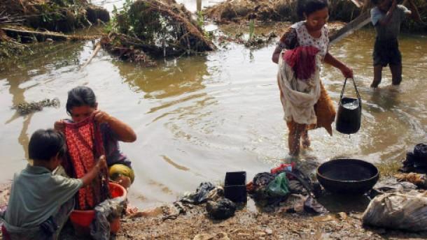 Diplomat: Bis zu 100.000 Tote durch den Zyklon Nargis