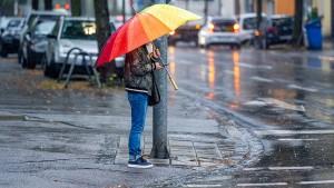Der Herbst hält Einzug mit stundenlangen Regenfällen