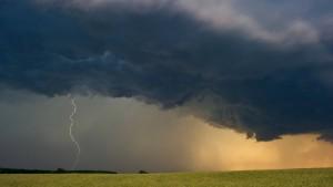 Nur jeder zehnte Blitz erreicht die Erde