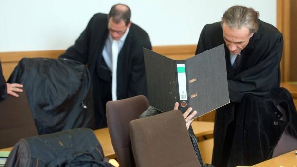 Tumult im Gerichtssaal nach Ehrenmord-Urteil