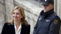 Mit einem Lächeln vor die Presse: Infantin Cristina im Februar vor dem Gericht.