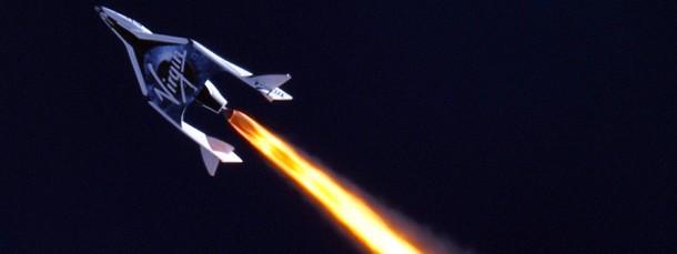 """Testflug im September 2013: Das """"SpaceShip Two"""" von Virgin Galactic über der Mojave-Wüste"""