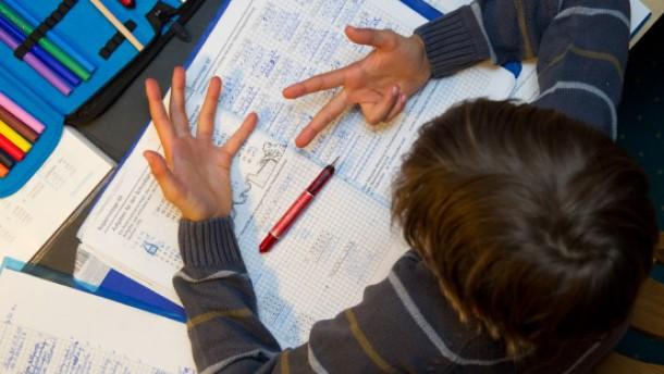 Schüler bei den Hausaufgaben