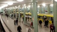 Am Alexanderplatz in Berlin kommt es immer wieder zu gefährlichen Zwischenfällen.
