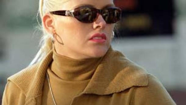 Anna Nicole Smith darf nun doch beerdigt werden