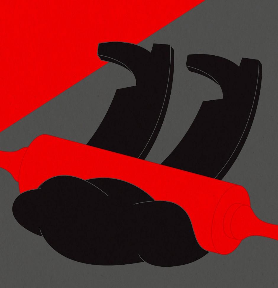 Viele gewalttätige Frauen setzen Hilfsmittel ein – vom Nudelholz über die Küchenschere oder den heißen Kaffee.