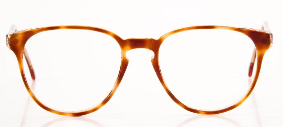 6c509ca2fb2975 Konkurrenz für die Nerdbrille  Man kann auch herzförmige Brillen tragen