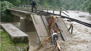 21 Tote nach heftigen Überschwemmungen