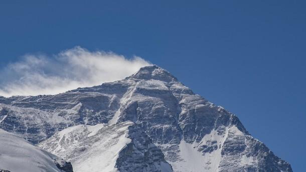 Corona-Fall im Lager am Mount Everest