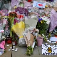 Nach dem Anschlag herrscht Trauer in Manchester. Viele fragen sich aber auch, ob die Sicherheitsvorkehrungen zu lasch waren.