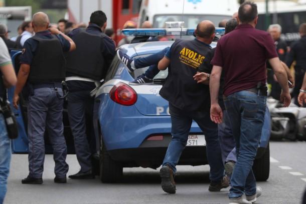 1c5c6b3d92dc81 Bilderstrecke zu: Vier Tote in Neapel: Mann erschießt Bruder nach ...