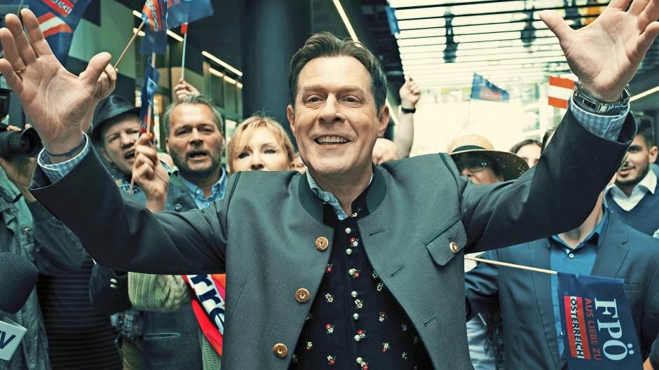 Da war das Video noch nicht publik:  Andreas Lust spielt den FPÖ-Politiker Heinz-Christian Strache