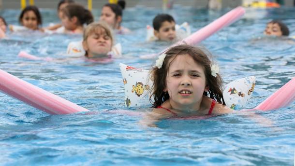 Schwimmunterricht auch für Muslime Pflicht