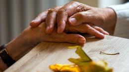 Menschen mit Partner erkranken laut neuer Studie deutlich seltener an Demenz