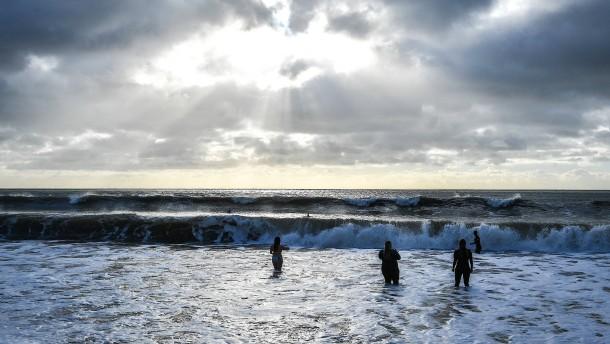 Große Rettungsaktion für Schwimmer, der Ärmelkanal durchqueren wollte