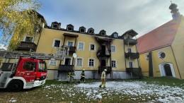 Drei Frauen und ein Baby sterben bei Brand eines Mehrfamilienhauses