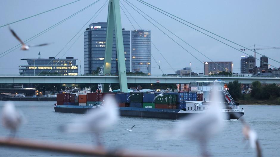 Symbolbild: Morgenstimmung am Rhein