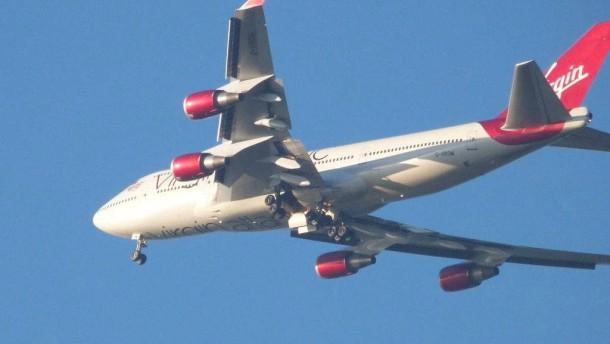 Boeing 747 mit Fahrwerksproblemen sicher gelandet