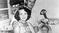 Fidel Castro in den fünfziger Jahren mit seiner damaligen Frau Mirta und dem gemeinsamen Sohn Fidelito