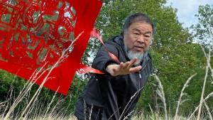 Ai Weiwei gibt es nun auch auf Tüchern und Taschen