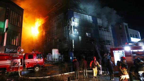 Mehr als 20 Tote bei Saunabrand in Südkorea