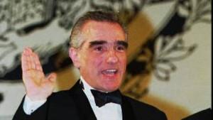 Martin Scorsese mit Büstenhalter
