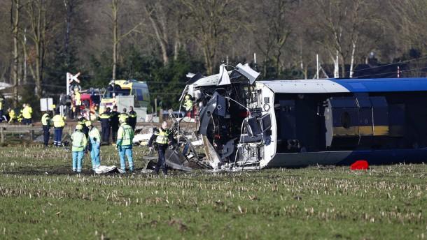 Schweres Zugunglück in den Niederlanden